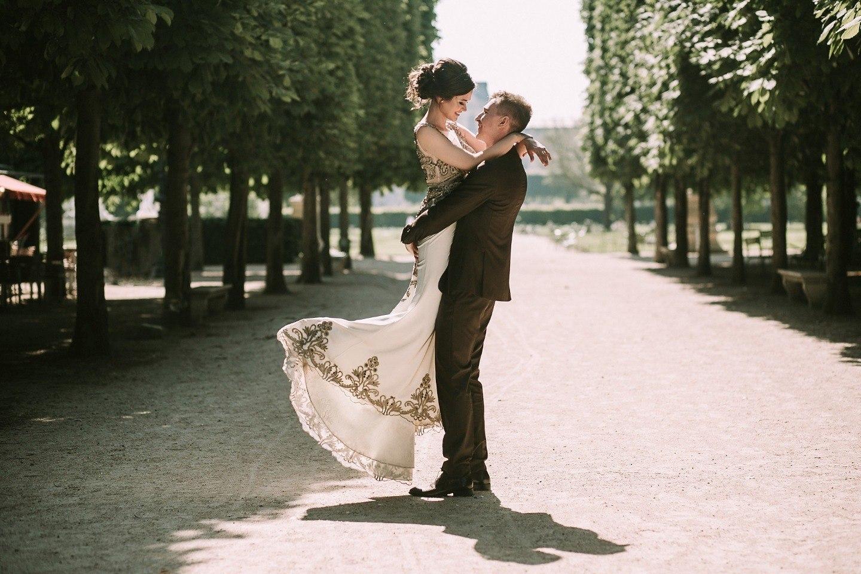Как выбрать мелодию для свадебного танца?